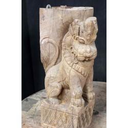 Antique chariot piece Lion