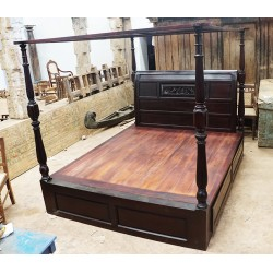 Traditional Four Poster Wooden Bed