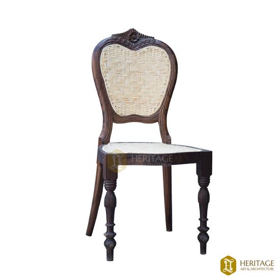 Venadu Style Dining Chair