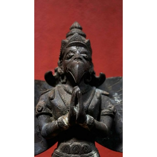 Lord Garuda Idol